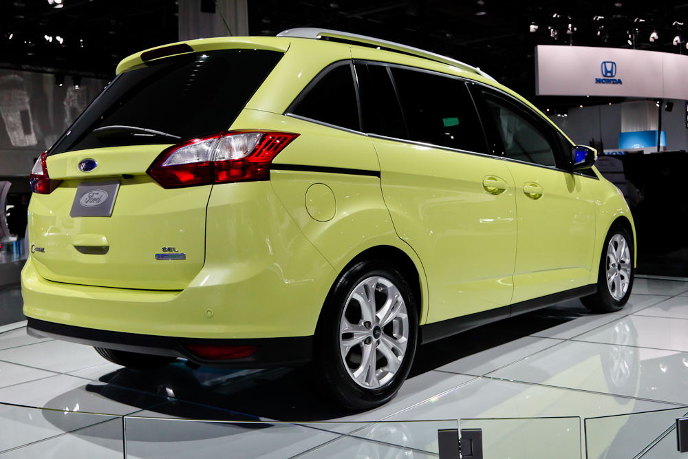 ford c max hybrid phev look to deliver electric driving. Black Bedroom Furniture Sets. Home Design Ideas