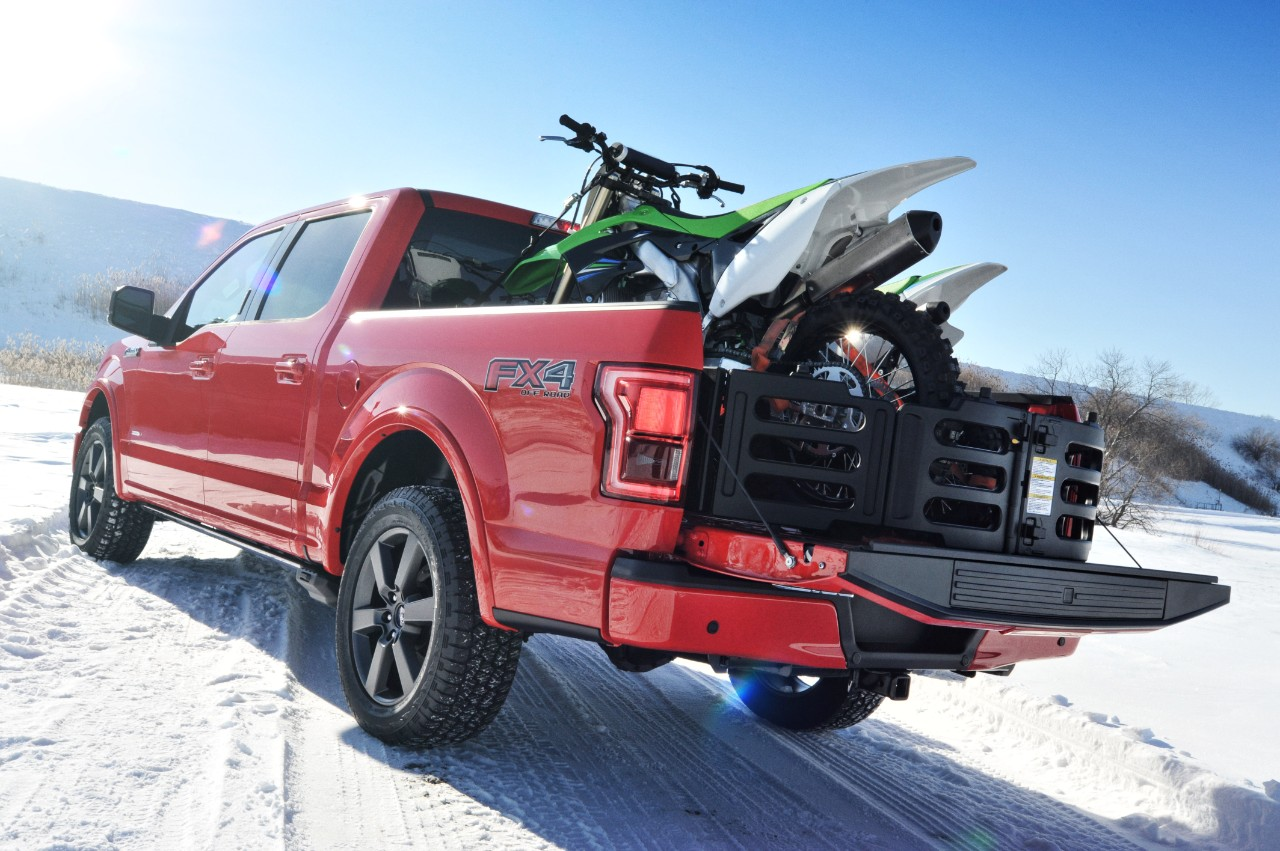 2015 ford f 150 is accompanied by a new logo. Black Bedroom Furniture Sets. Home Design Ideas
