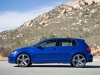 2015-volkswagen-golf-r-09