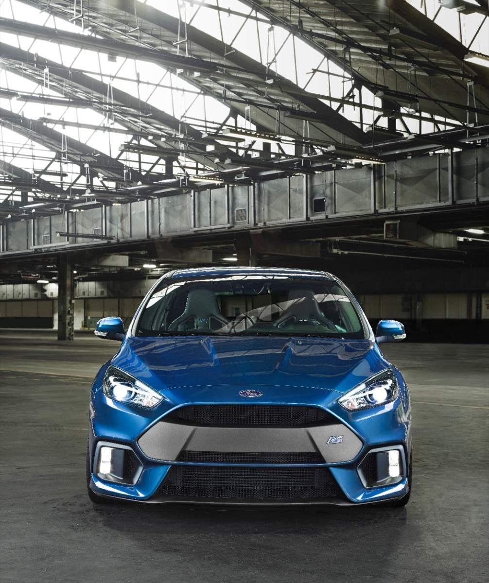2016 ford focus rs offers up 320 hp all wheel drive. Black Bedroom Furniture Sets. Home Design Ideas