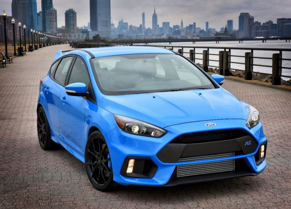 2016 ford focus rs  hot or not