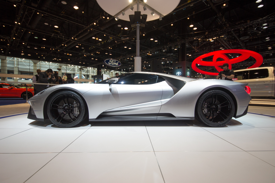 2016 ford gt in silver 2015 chicago auto
