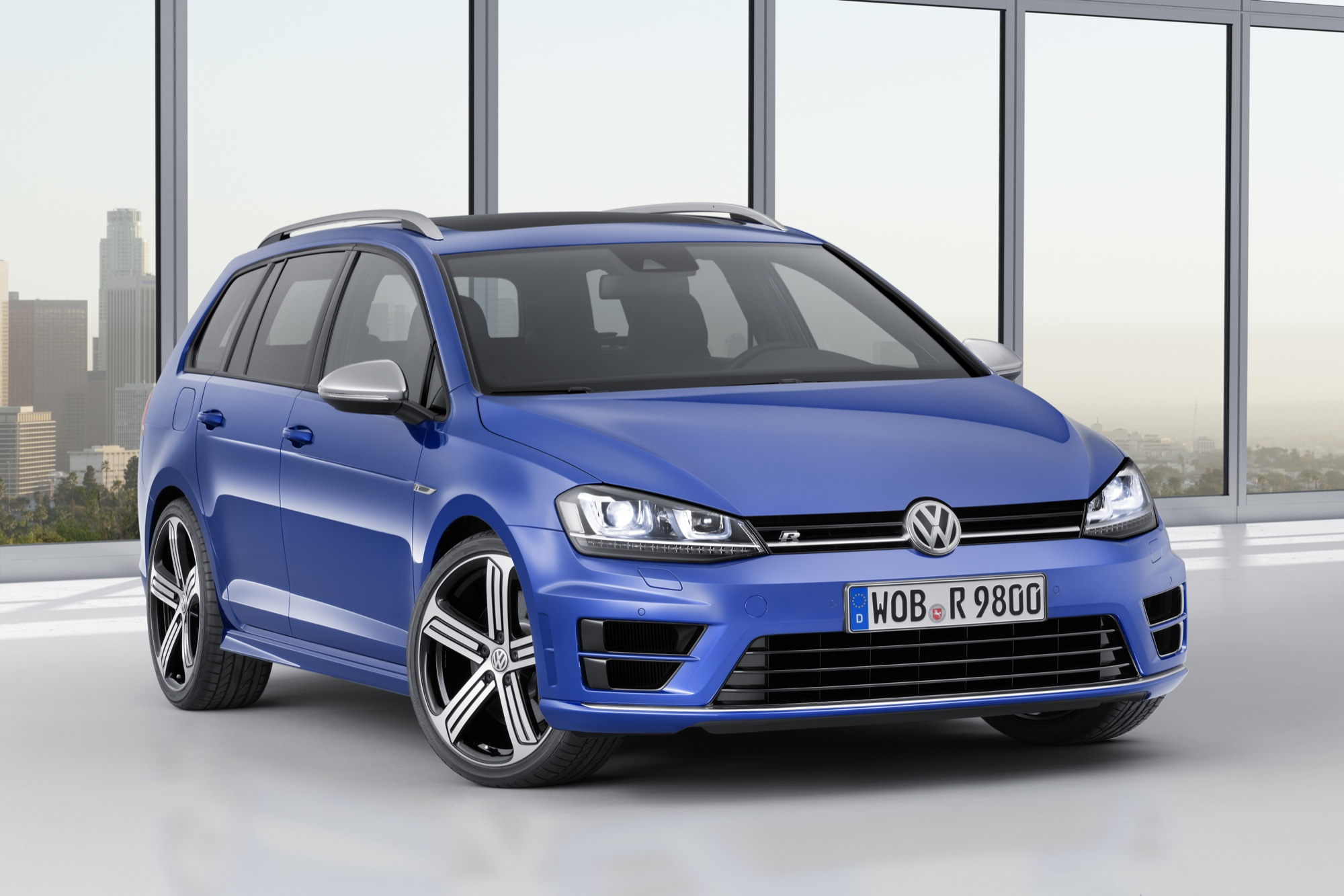 volkswagen golf r variant goes on sale across europe. Black Bedroom Furniture Sets. Home Design Ideas