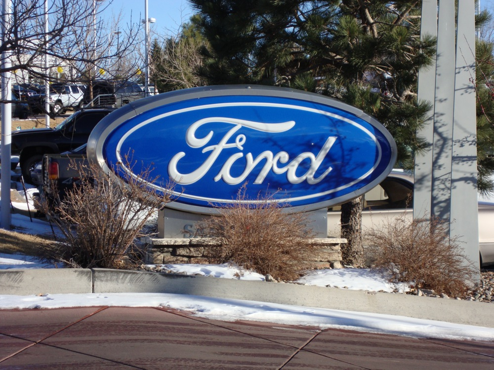 Report Ford Dealerships Outnumber Chevy Stores Motrolix