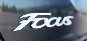 2012 Ford Focus Titanium Sedan 34