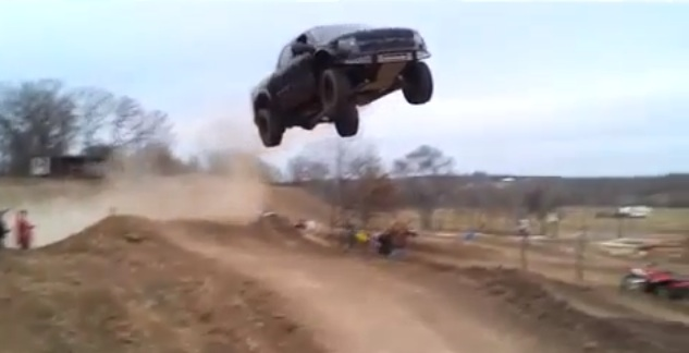 Ford F-150 SVT Raptor jumps 90 feet