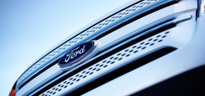 Ford logo on Ford Exporer - front