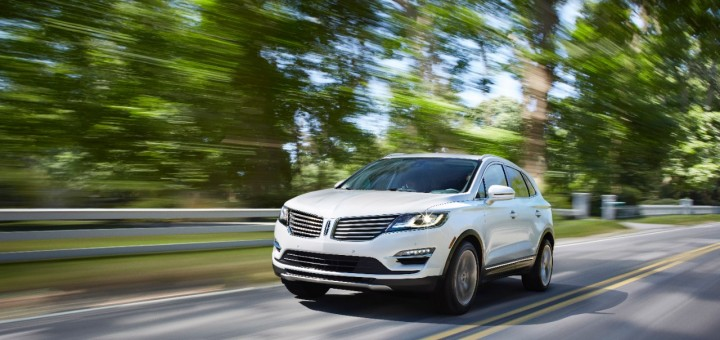 2015 Lincoln MKC on highway