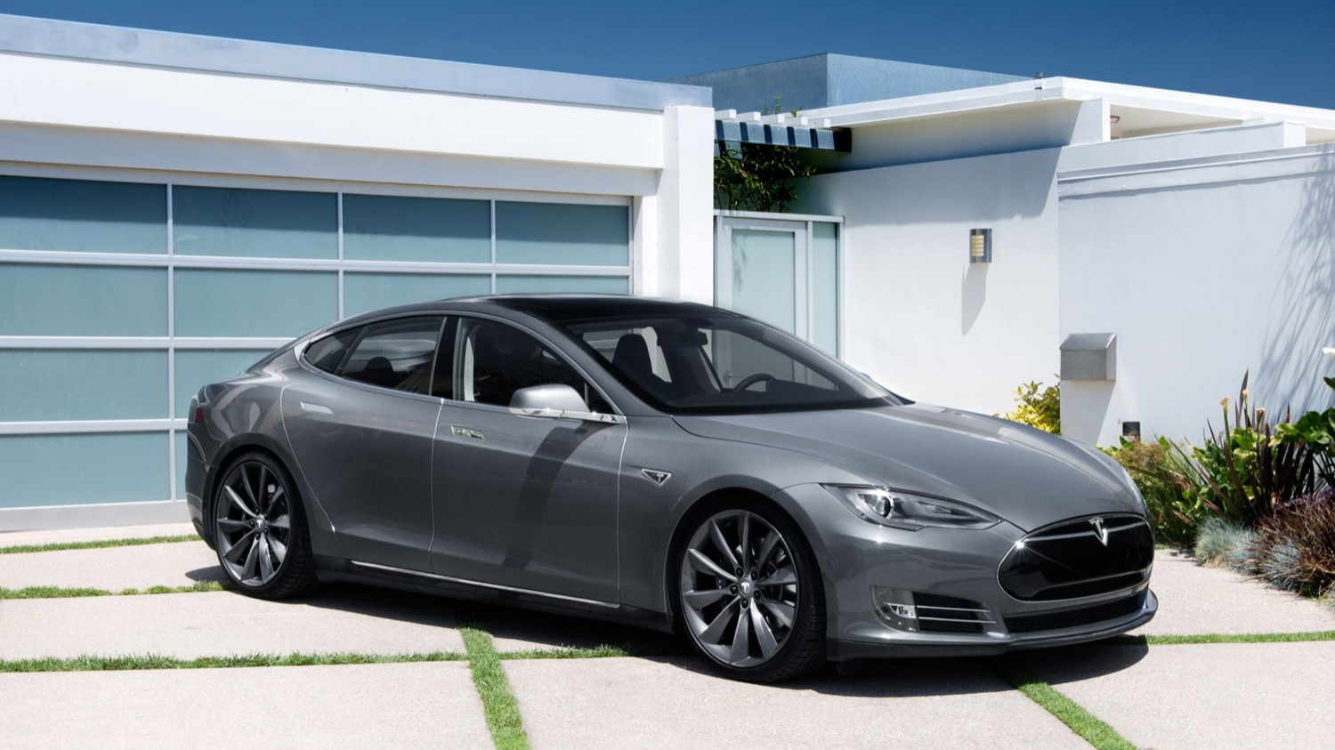 Tesla Model S Hacked, Patch Promptly Released | Motrolix