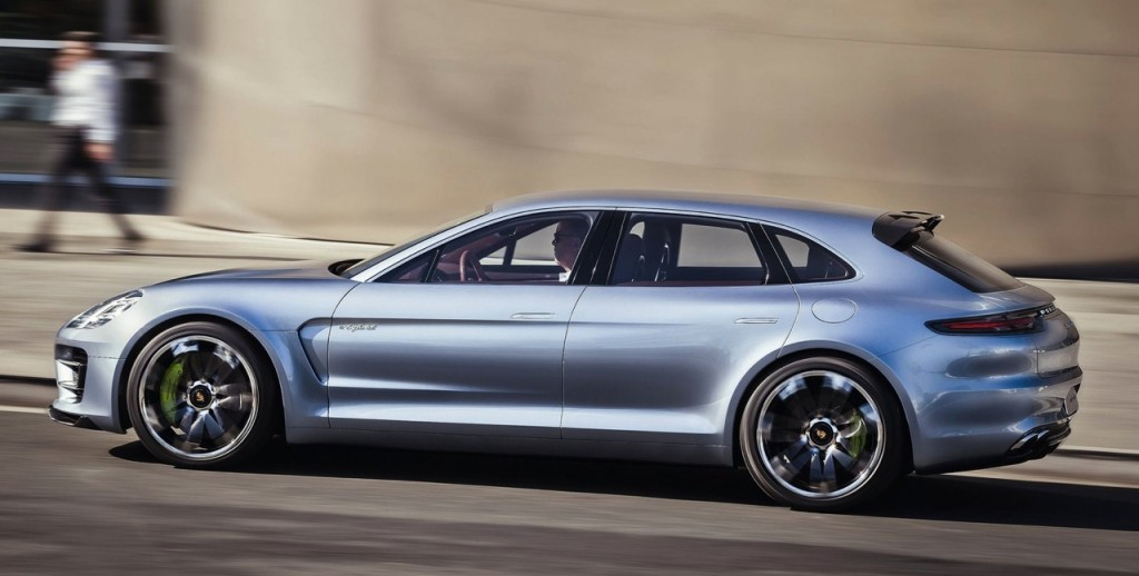 The 2018 Cayenne is expected to feature a C-shaped front fender vent as seen on this Porsche Panamera Sport Turismo concept