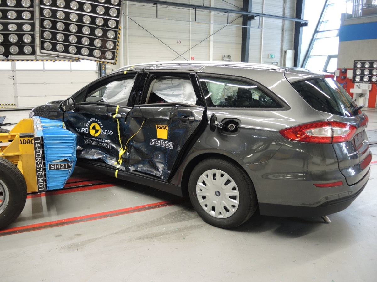 2015 Ford Mondeo Safety Ratings Amp Crash Test Video