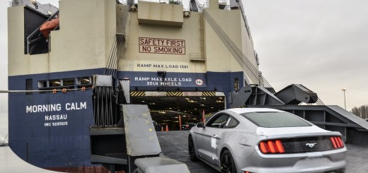 2015 Ford Mustang Loading Morning Calm Ship For Export to China