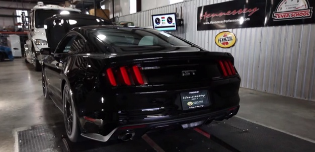 2015 Mustang Hennessey HPE700 on dyno