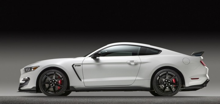 2015 Mustang Shelby GT350R side profile