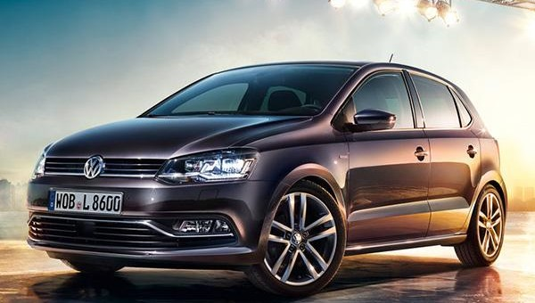 2015 Volkswagen Polo Lounge exterior 01