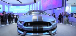 Shelby GT350R AutoGuide 2015 NAIAS