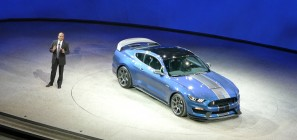 Shelby GT350R unveil 2015 NAIAS