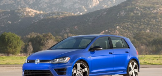 2015 Volkswagen Golf R 01