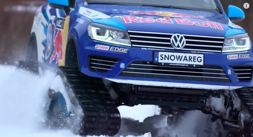 Driversity Episode 1 - Volkswagen Snowareg vs. Sled Dog Racing Team 06