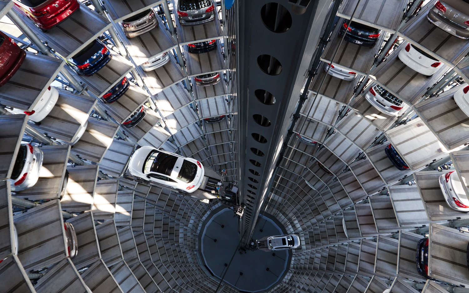 a look inside the volkswagen autostadt in germany video