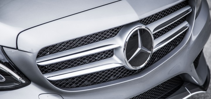 2015 Mercedes-Benz C-Class Sedan front end with Mercedes-Benz Logo