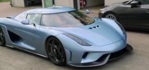 Koenigsegg Regera in pale blue