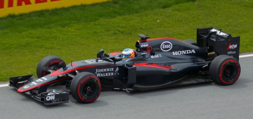 Fernando Alonso driving a McLaren MP4-30 Formula 1 car. Photo: Veilleux79