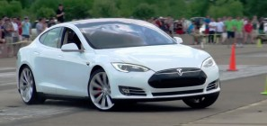Tesla Model S P85D at autocross