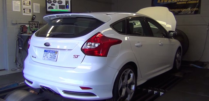 Ford Focus ST Livernois video