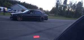 E34 BMW M5 Vs Veyron Video
