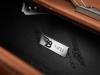 bentley-mulsanne-birkin-edition-bentley-luggage-plaque-large-tan