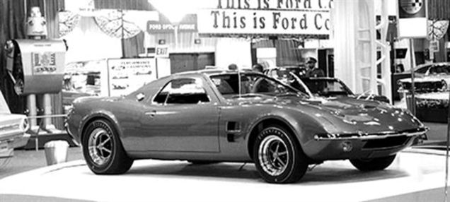 Ford Mustang Mach 2 concept right front three quarters