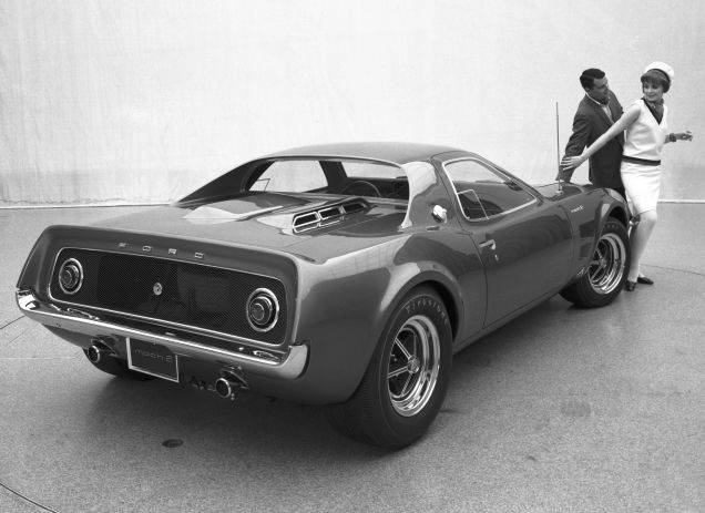 Ford Mustang Mach 2 concept right rear three quarters