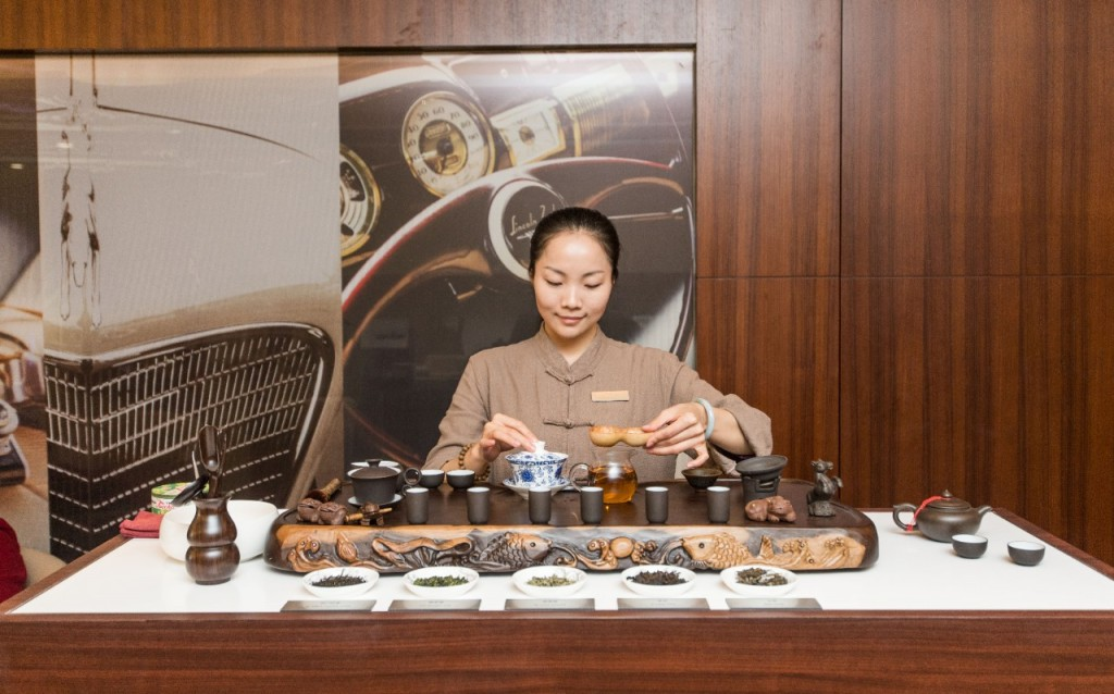 Each Lincoln store in China has a distinct, welcoming, home-like environment featuring a relaxing tea room.